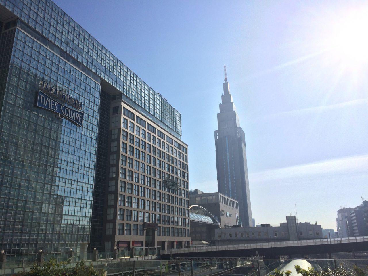 タカシマヤタイムズスクエアとNTTドコモ代々木ビル2の写真