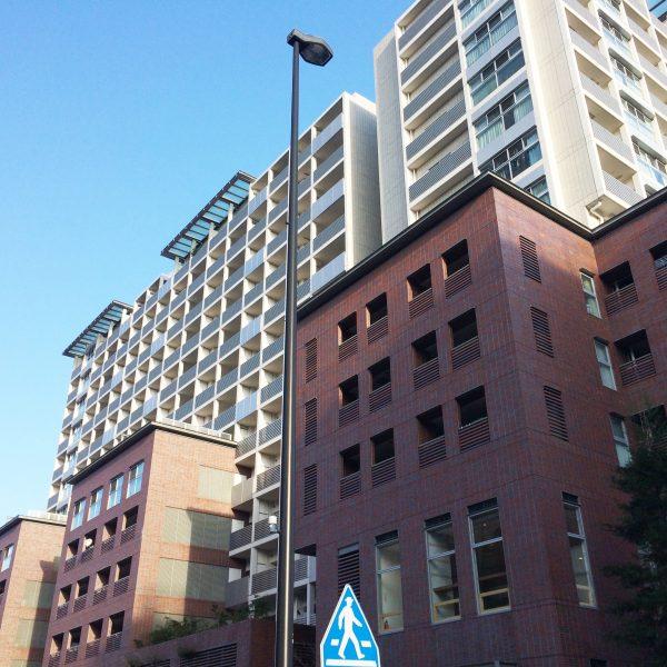 横浜市中心部のマンションの写真