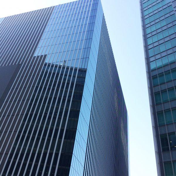 みなとみらいの高層オフィスビル街8の写真