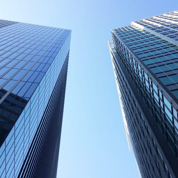 みなとみらいの高層オフィスビル街9の写真