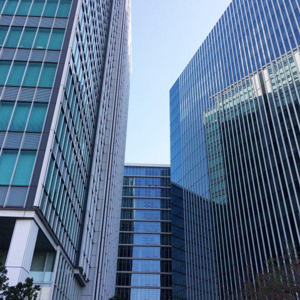 みなとみらいの高層オフィスビル街12の写真