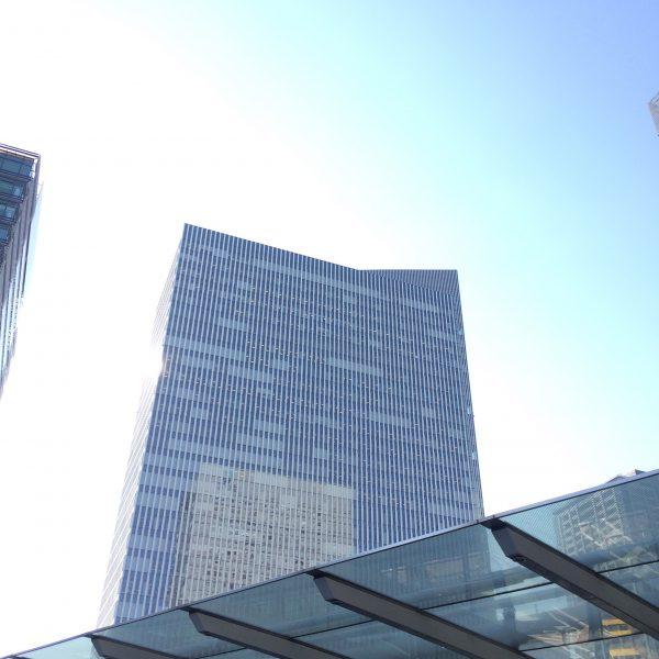 みなとみらいの高層オフィスビル街6の写真