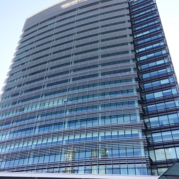 みなとみらいの高層オフィスビル街4の写真