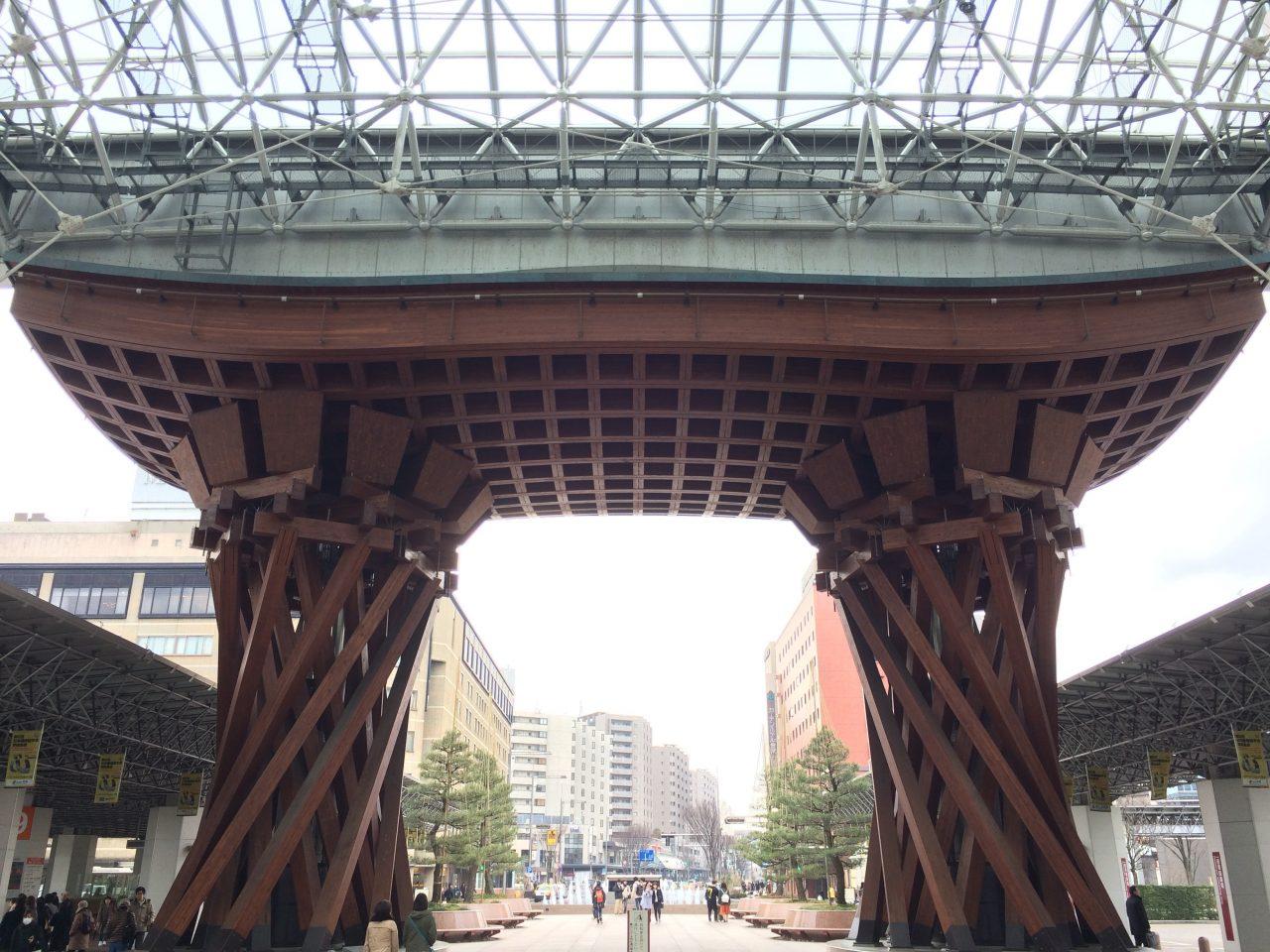 金沢駅の鼓門2の写真