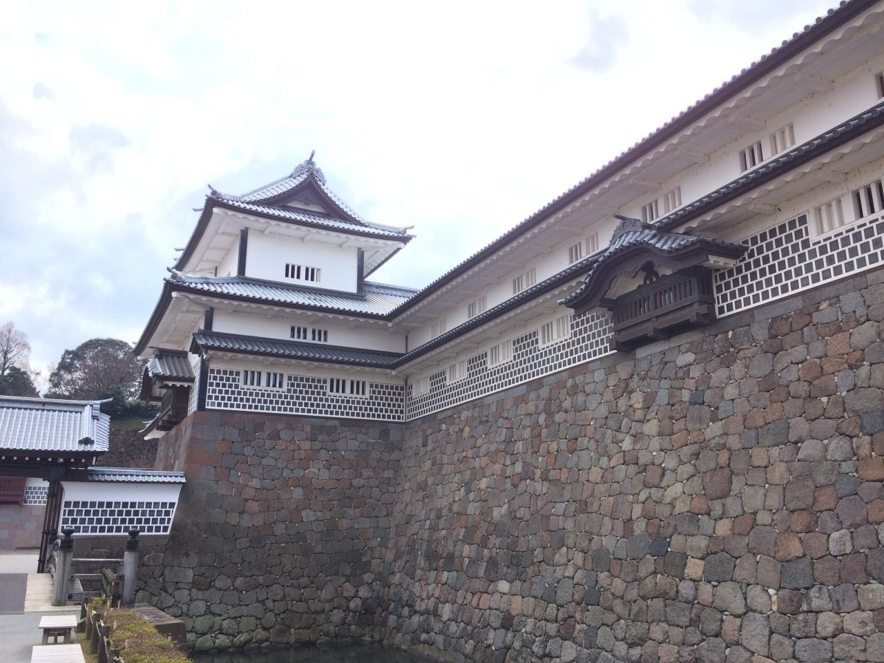 金沢城とお堀2の写真