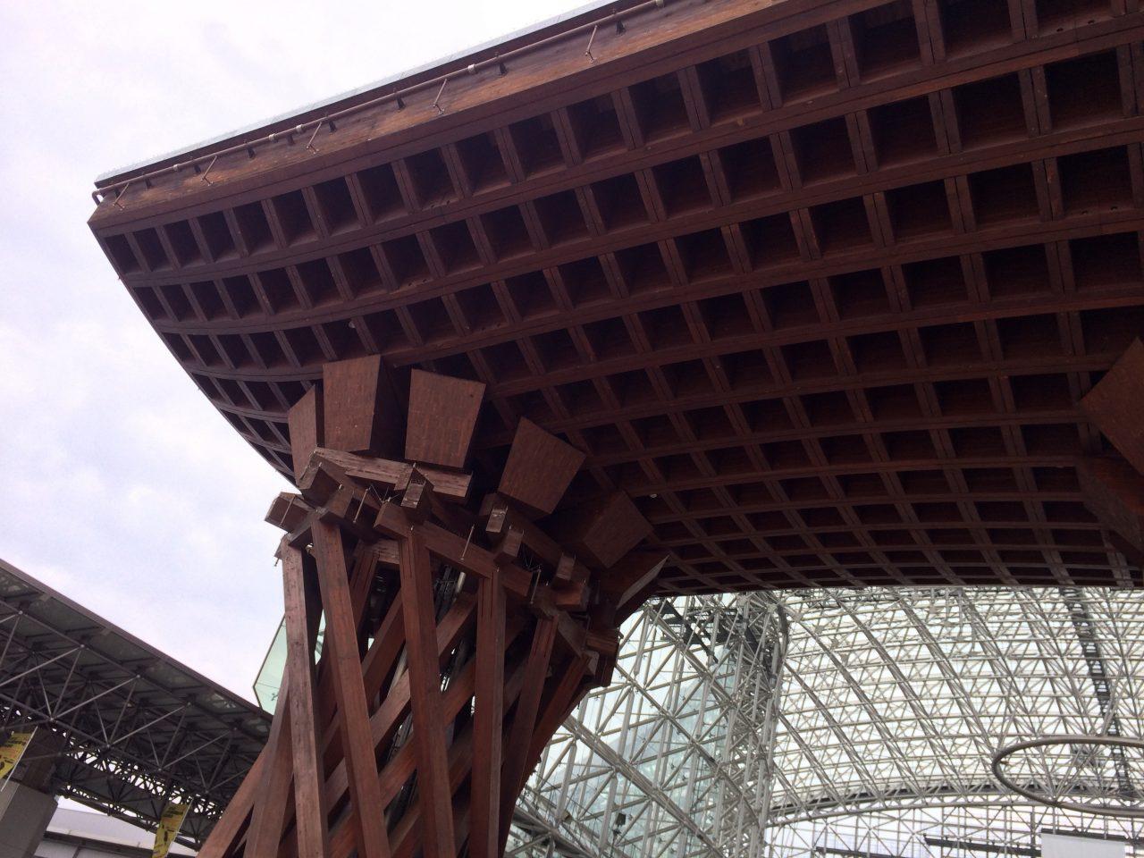 金沢駅の鼓門4の写真