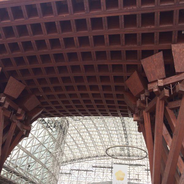 金沢駅の鼓門3の写真