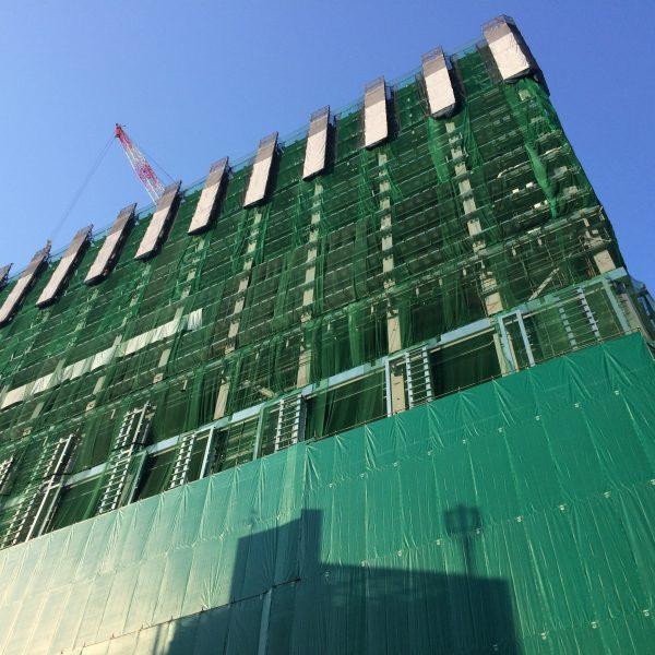 渋谷の高層ビルの建設現場1の写真
