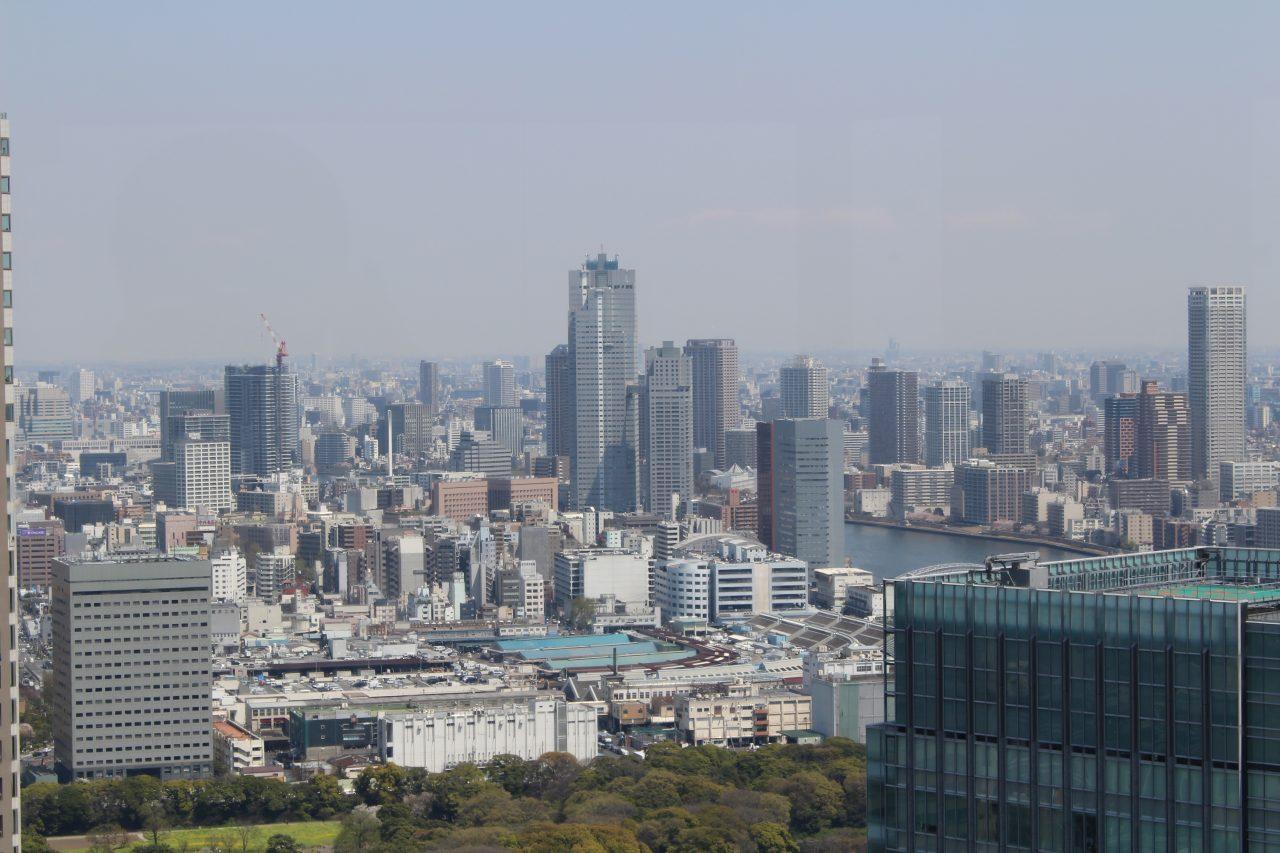 展望台から見た築地市場と東京の街並み2の写真