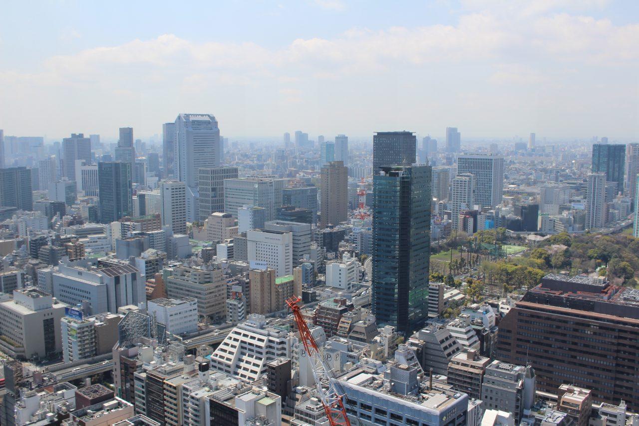 展望台から見た港区の街並みの写真