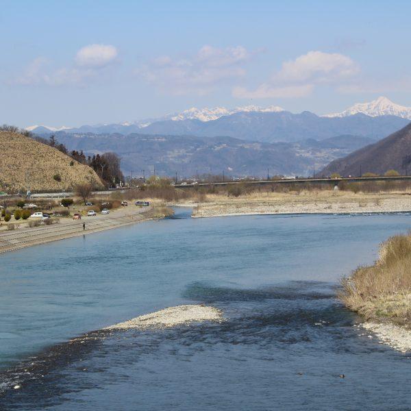 千曲川と戸隠山・妙高山の写真
