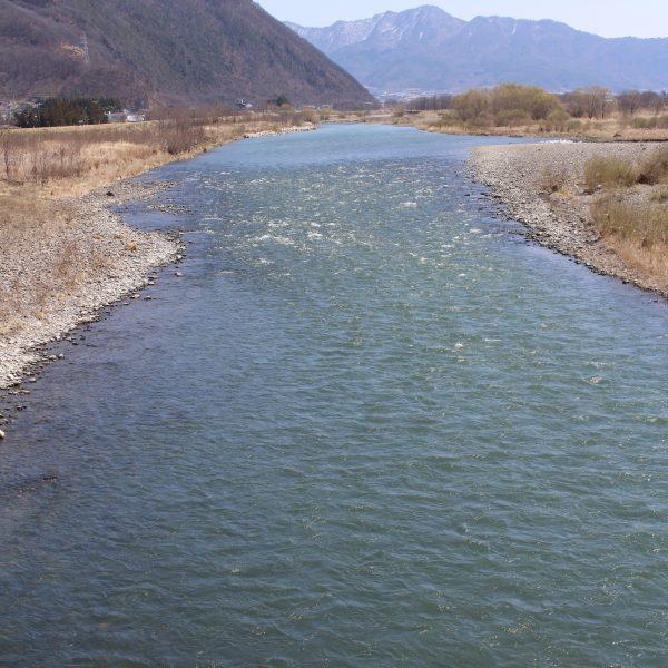 千曲川と山並み2の写真