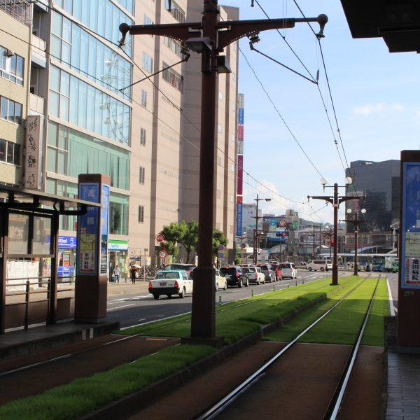 高見橋電停から見た鹿児島市電の線路の写真